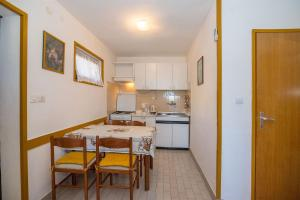 Apartments Dane, Apartmanok  Trogir - big - 35