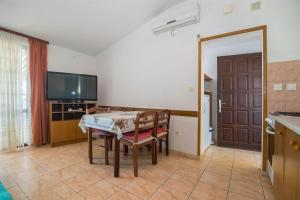 Apartments Dane, Apartmanok  Trogir - big - 37
