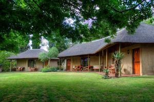 Garden Bungalow with Twin Beds