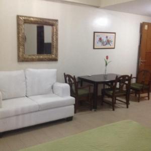 Rolando's Condo Unit 5, Apartmány  Pasay - big - 11