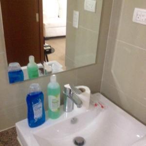 Rolando's Condo Unit 5, Apartments  Pasay - big - 59