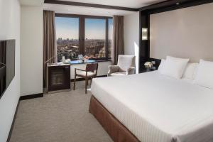 Double or Twin Room with City View