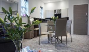The Alderley Apartment