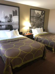 Room with Two Queen Beds - Non smoking