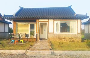Dumbhouse Haengwon, Dovolenkové domy  Jeju - big - 2