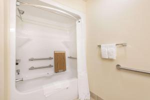 Super 8 Claremore, Motels  Claremore - big - 18