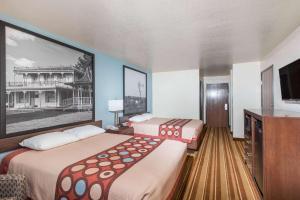 Super 8 Claremore, Motels  Claremore - big - 24