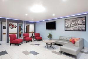 Super 8 Claremore, Motels  Claremore - big - 25