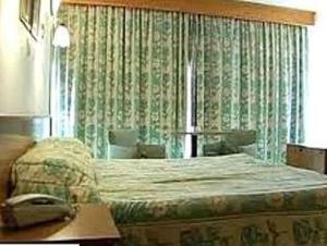Velan Hotel Greenfields, Hotely  Tiruppūr - big - 5