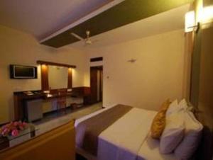 Velan Hotel Greenfields, Hotely  Tiruppūr - big - 6