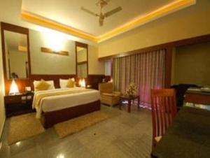 Velan Hotel Greenfields, Hotely  Tiruppūr - big - 7
