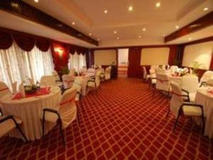 Velan Hotel Greenfields, Hotely  Tiruppūr - big - 17