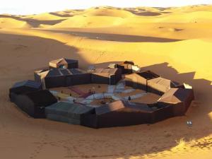 Marhaba Camp, Camel & Sandboarding, Luxury tents  Merzouga - big - 1