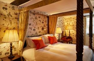 Ockenden Manor Hotel & Spa (5 of 52)