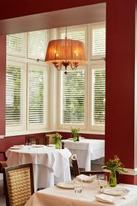 Ockenden Manor Hotel & Spa (2 of 52)