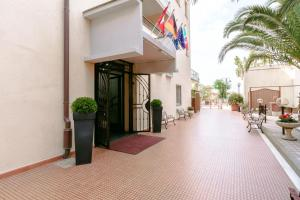 A-HOTEL.com - Luxury and cheap accommodation worldwide. Online ...
