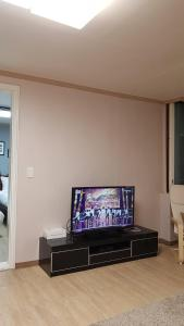 Feel Home Apt 3min walk from subway, Apartmány  Soul - big - 39