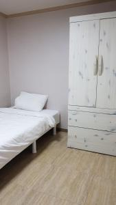 Feel Home Apt 3min walk from subway, Apartmány  Soul - big - 55