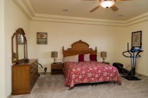 South Strip Luxury, Виллы  Лас-Вегас - big - 42