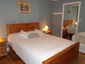 Mountain Bed & Breakfast, Bed & Breakfast  North Vancouver - big - 9