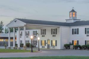Knights Inn Sandusky, Hotels  Sandusky - big - 1