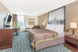 Super 8 by Wyndham Oklahoma City, Hotely  Oklahoma City - big - 43