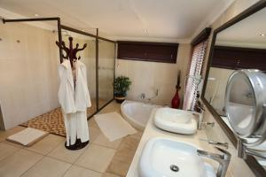Lapa Lange Game Lodge, Лоджи  Mariental - big - 41