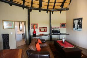 Lapa Lange Game Lodge, Лоджи  Mariental - big - 42