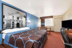 Super 8 by Wyndham San Antonio at I-10, Motel  San Antonio - big - 42