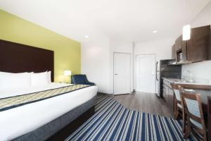 Deluxe Two Bedroom Suite - Non-Smoking