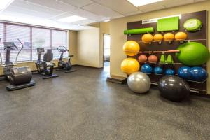 Microtel Inn & Suites by Wyndham Whitecourt, Отели  Whitecourt - big - 29