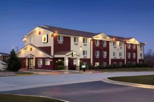 The Legacy Inn and Suites