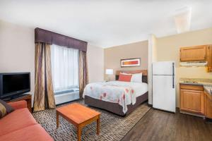 Hawthorn Suites by Wyndham Louisville North, Hotely  Jeffersonville - big - 39