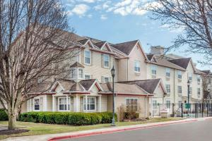 Hawthorn Suites by Wyndham Louisville North, Hotely  Jeffersonville - big - 1
