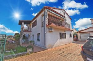 Apartments Manola 1550