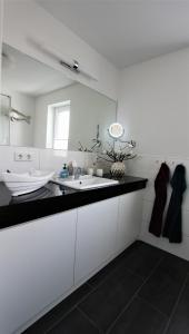 Ferienwohnungen Rosengarten, Apartmány  Börgerende-Rethwisch - big - 272