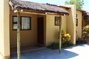 Mango Guest House, Penzióny  Ongwediva - big - 8