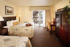 Queen Room with Two Queen Beds and Patio