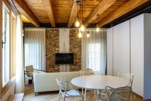 Crocus Apartments - AbcAlberghi.com
