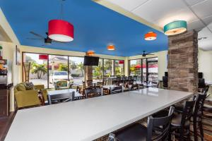 Days Inn by Wyndham Sarasota Bay, Hotels  Sarasota - big - 17