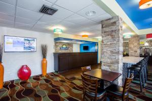 Days Inn by Wyndham Sarasota Bay, Hotels  Sarasota - big - 16