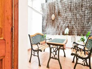 One-Bedroom Apartment  Tallers