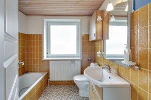 Hvide Sande, Ferienhäuser  Hvide Sande - big - 9
