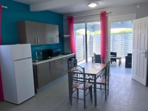 Le Domaine Turquoise, Апартаменты  Le Moule - big - 16