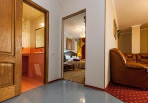 Grand Hotel Uyut, Hotel  Krasnodar - big - 42