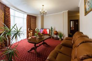 Grand Hotel Uyut, Hotel  Krasnodar - big - 43