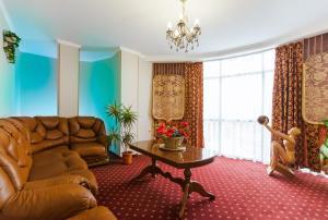Grand Hotel Uyut, Hotel  Krasnodar - big - 47