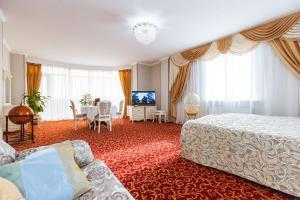 Grand Hotel Uyut, Hotel  Krasnodar - big - 53