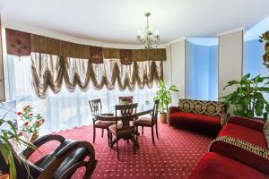 Grand Hotel Uyut, Hotel  Krasnodar - big - 54