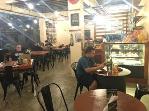 Chateau Elysee Condo Unit - Vendome, Apartmanok  Manila - big - 111